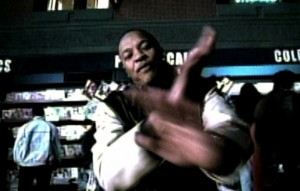 "Dr. Dre in un fotogramma del video ""Forgot About Dre"" del 1999"
