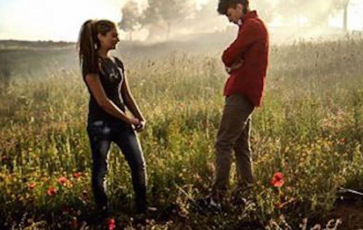 """I nuovi """"Romeo e Giulietta"""" si chiamano Nino e Mary e vivono a Roma, nel campo nomadi di Tor de' Cenci"""