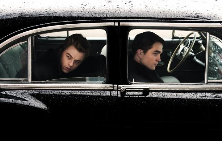 """Dane Dehaan e Mike Pattinson in """"Life"""" di Anton Corbijn, proiettato in anteprima al Milano Film Festival"""