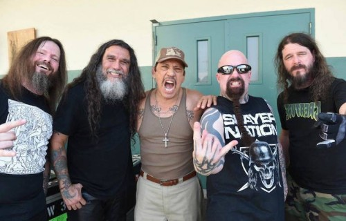 Gli Slayer e Danny Trejo durante le riprese del video. Fonte: Facebook