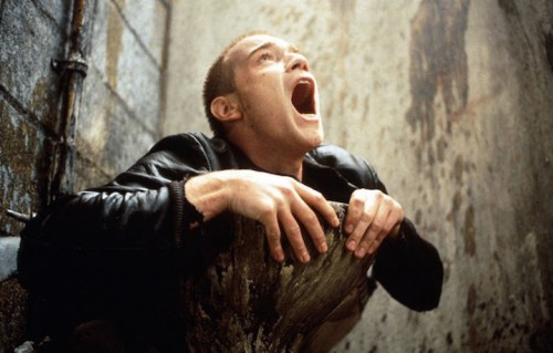 "Una scena dell'originale ""Trainspotting"" del 1996"