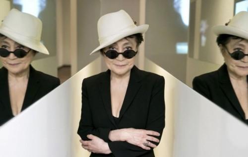 Yoko Ono, foto stampa