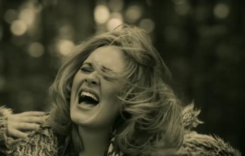"""Una scena di """"Hello"""", il nuovo video di Adele"""