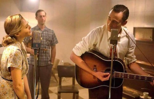 "Tom Hiddleston nei panni di Hank Williams nel biopic ""I saw the light"", in uscita il 25 marzo 2016"
