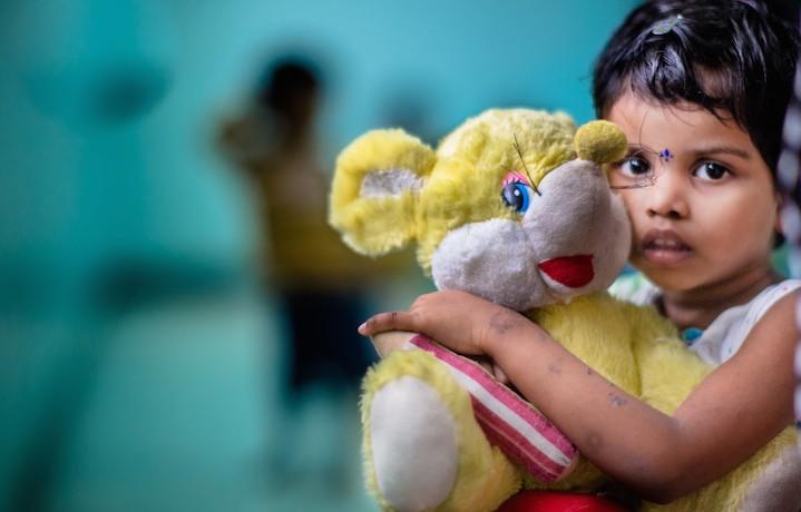 Dall'11 ottobre, per 15 giorni, la possibilità di aiutare bambine e ragazze vittime di sfruttamento