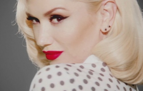 "Gwen Stefani nel video di ""Baby Don't Lie"""
