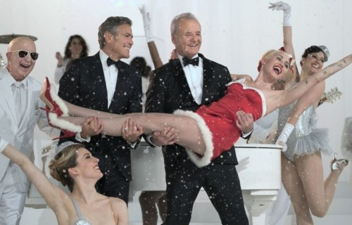 George Clooney, Bill Murray e Miley Cyrus e il fantastico cast di A Very Murray Christmas