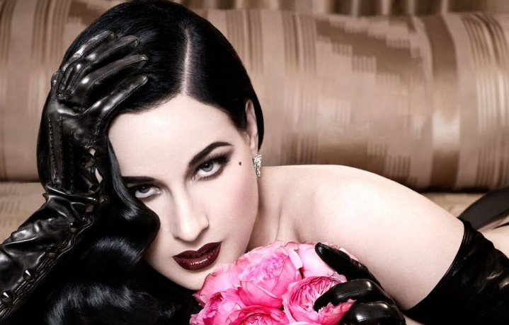 Dita Von Teese, 43 anni e dea del Burlesque - Foto Albert Sanchez