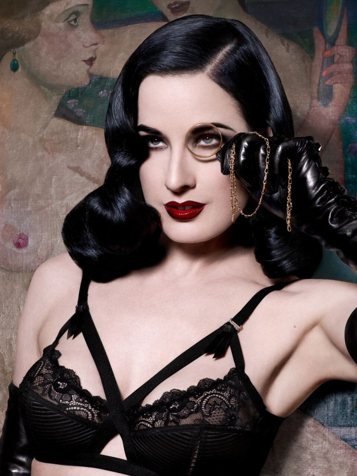 Heather Renée Sweet, in arte Dita Von Teese, 43 anni - Foto Albert Sanchez