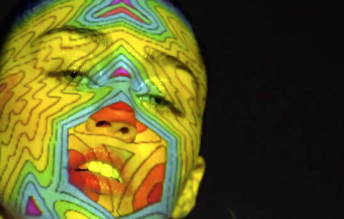 """Un frame di Miley Cyrus del nuovo video """"Lighter"""""""