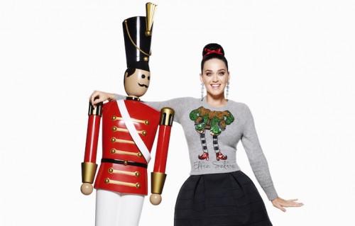 Katy Perry nella nuova campagna natalizia di H&M