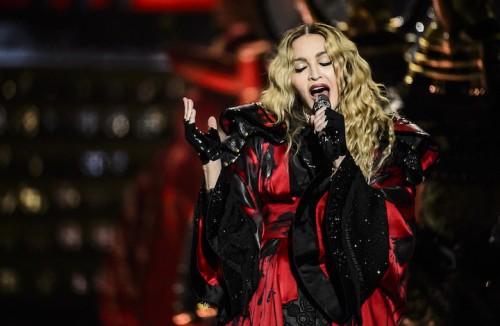 Madonna durante il concerto di Torino. Foto: Michele Aldeghi