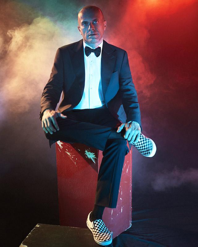 Total look: Salvatore Ferragamo. Scarpe: Vans