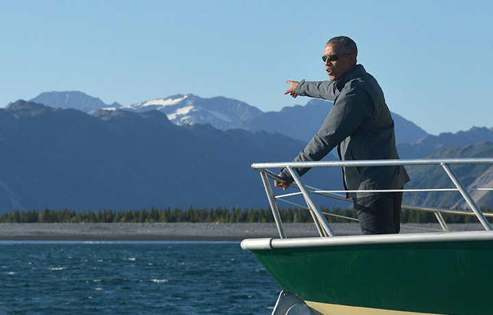 Barack Obama in visita in Alaska. Foto di Mandel NGAN/AFP/Getty Images