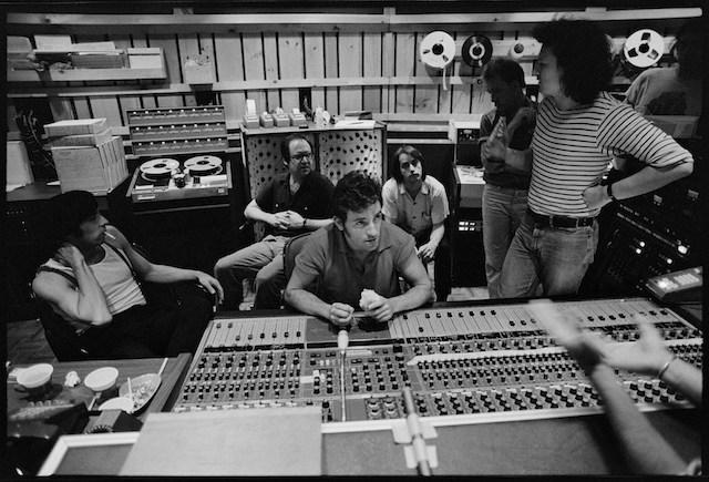 Bruce Springsteen in studio durante la registrazione di The River