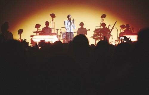 """Stromae a Los Angeles, un anticipo dall'esclusivo DVD """"√ Live"""" in uscita l'11 dicembre"""
