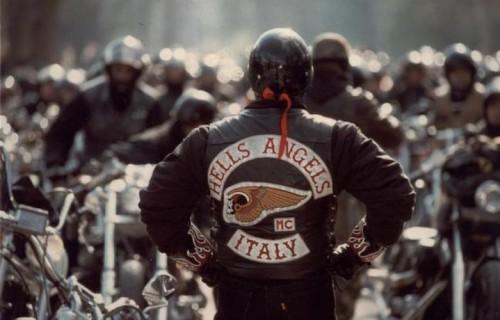 Hells Angels Motorcycle club festeggia i suoi primi 20 anni a Milano, Il 12 Dicembre presso l'Atahotel Quark
