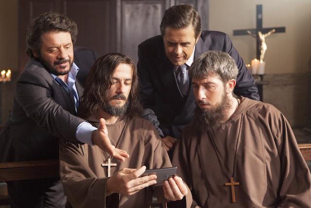 """Lillo e Greg insieme a Paolo Ruffini e Francesco Mandelli in """"Natale col Boss"""". Fonte Filmauro"""