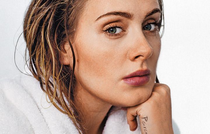 Adele è nata a Londra il 5 maggio 1988. Foto: Theo Wenner