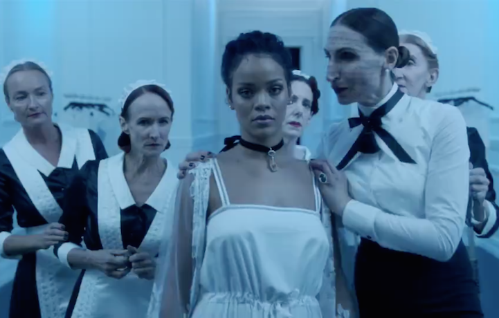 "Rihanna in un frame del video preview di ""Anti"""