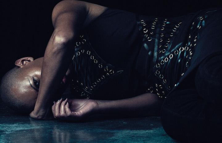 """""""Sono sempre molto passionale"""". Abito: Elisabetta Franchi. Foto: Luca Bellumore. Style: Edoardo Marchiori"""