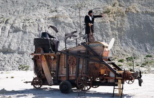 """Vinicio Capossela nel film """"Nel paese dei coppoloni"""". Foto di Valerio Spada"""