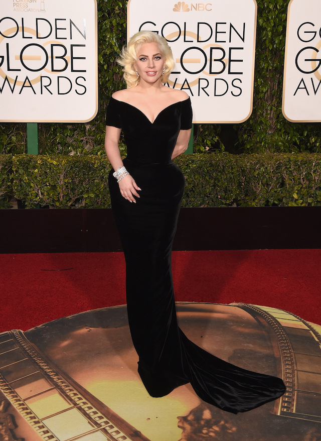 Lady Gaga in Atelier Versace. Foto: Jason Merritt/Getty Images