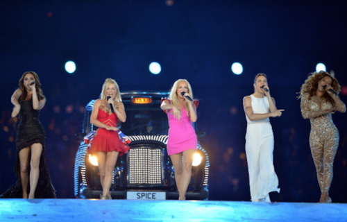 Le Spice Girls sul palco della Closing Ceremony dei London Olympics 2012 (Photo by Jeff J Mitchell/Getty Images)