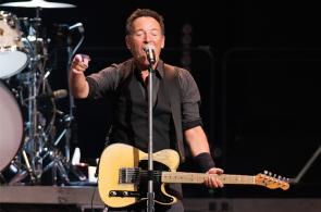 "Bruce Springsteen And The E Street Band in una tappa del ""The River Tour 2016"", United Center on January 19, 2016, Chicago, Illinois. (Photo by Daniel Boczarski/Getty Images)"