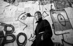 A Berlino è scomparsa la targa memoriale a David Bowie