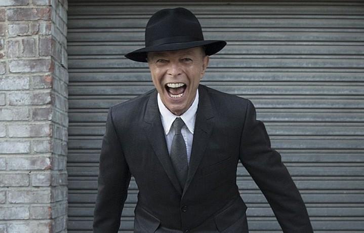 David Bowie, foto via Facebook (pubblicata nei pressi di Harrow, Regno Unito)