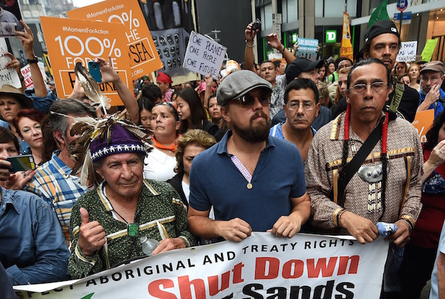Leonardo DiCaprio alla People's Climate March a New York nel 2014. Foto Timothy A. Clary/AFP/Getty Images