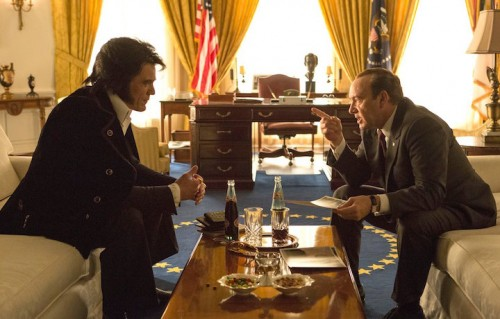 "Michael Shannon e Kevin Spacey in un immagine del film ""Elvis & Nixon"""