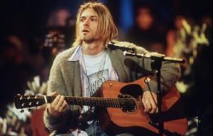 Kurt Cobain durante lo storico Unplugged di MTV