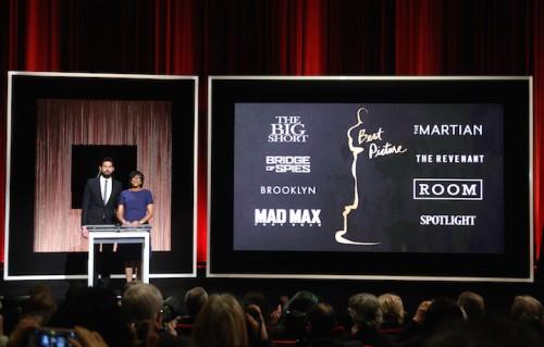 John Krasinski e la presidente dell'Academy Cheryl Boone Isaacs annunciano le nomination per miglior film agli Oscar 2016. Foto di Tommaso Boddi/WireImage