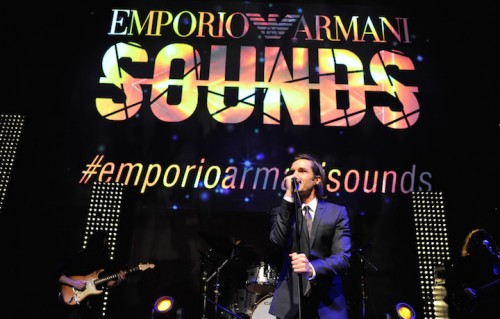 Brandon Flowers durante l'evento. Foto: John Sciulli/Getty Images for Armani