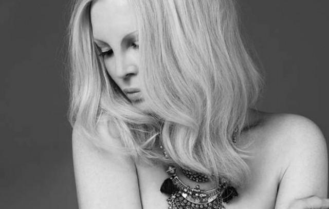 """Tutti nudi a Sanremo. Patty Pravo torna sul palco dell'Ariston per la nona volta, con il brano """"Cieli Immensi"""" - Foto di Julian Hargreaves"""
