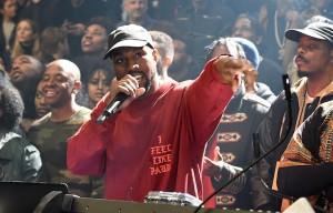 Kanye West ha presentato in una serata la sua nuova collezione e il suo nuovo album. Foto: Kevin Mazur/Getty Images for Yeezy Season 3