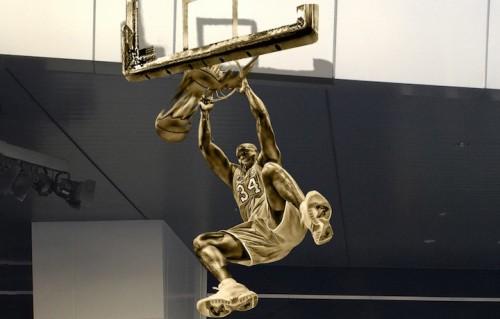 Un render della statua dedicata a Shaquille O'Neal