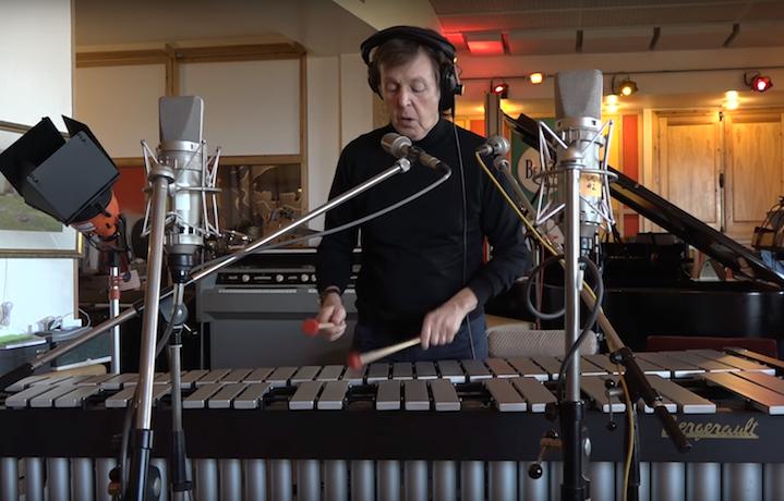 Paul McCartney ha utilizzato anche uno xilofono per la registrazione dei suoni di Skype