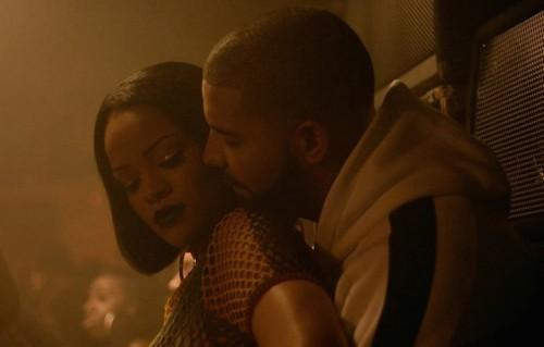 """Un frame del video """"Work"""" di Rihanna e Drake"""