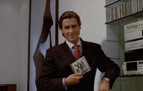 Christian Bale nei panni di Patrick Bateman nel film del 2000
