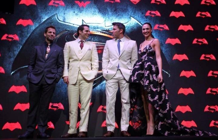 """Ben Affleck, Henry Cavill, Zack Snyder e Gal Gadot alla prima di """"Batman V Superman"""" a L.A."""