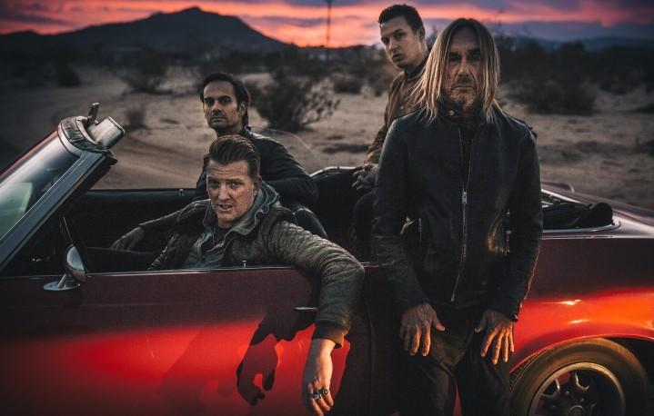 Iggy Pop, Josh Homme e Dean Fertita dei Queens of the Stone Age e la batteria di Matt Helders degli Arctic Monkeys. Foto: Andreas Neumann