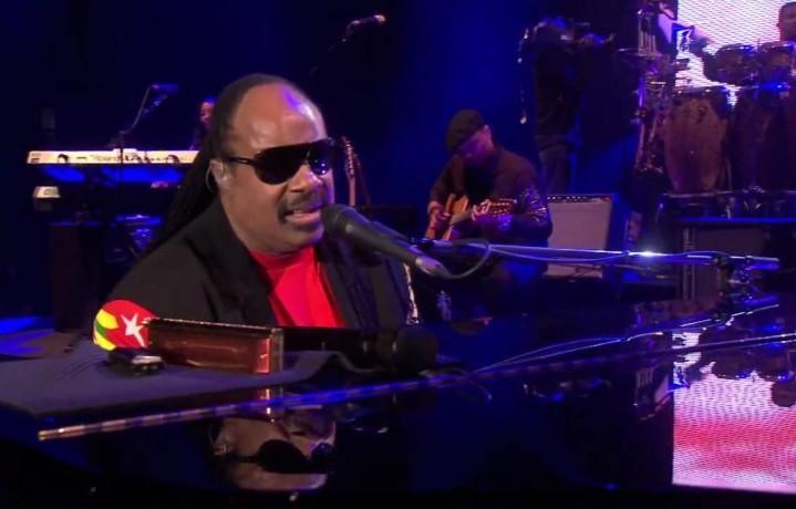 Stevie Wonder durante un concerto alla 02 Arena di Londra, 2008