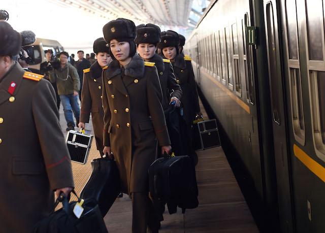 Le Moranbong arrivano a Pechino il 13 dicembre 2015 per la loro prima data fuori dalla Corea del Nord. Il concerto viene annullato senza una dichiarazione ufficiale il giorno stesso. Foto Xinhua News Agency / eyevine
