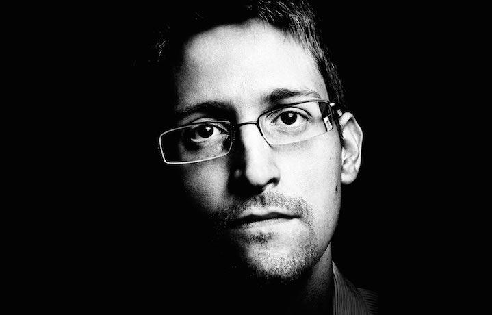 Edward Snowden vive al momento in Russia.