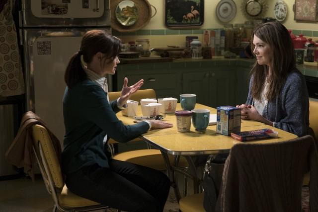"""Una scena dai nuovi episodi di """"Una mamma per amica"""" in arrivo entro la fine del 2016 anche in Italia"""