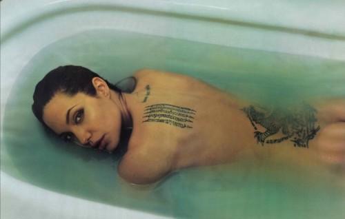 Il tatuatore (anche) di Angelina Jolie sarà ospite della Tattoo Expo Bologna, dall'8 al 10 aprile 2016