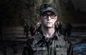 """Guarda il trailer di """"Snowden"""", il film di Oliver Stone sull'ex agente CIA"""